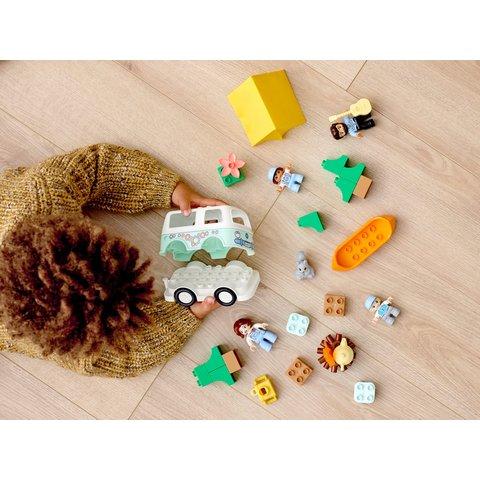 Конструктор LEGO DUPLO Семейное приключение на микроавтобусе 10946 Превью 11